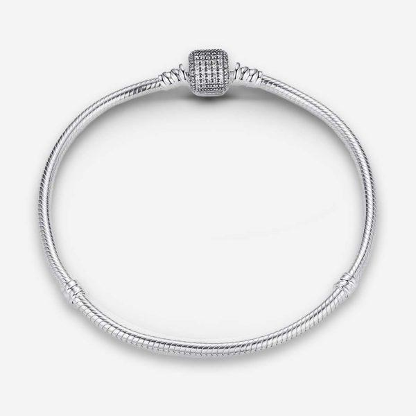 Ezüst kígyólánc karkötő csillogó kristály záróelemmel