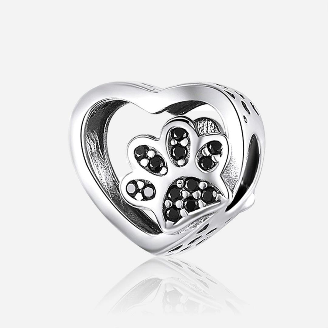 Ezüst kristályos tappancsos szív charm - Ezüst fekete kővel