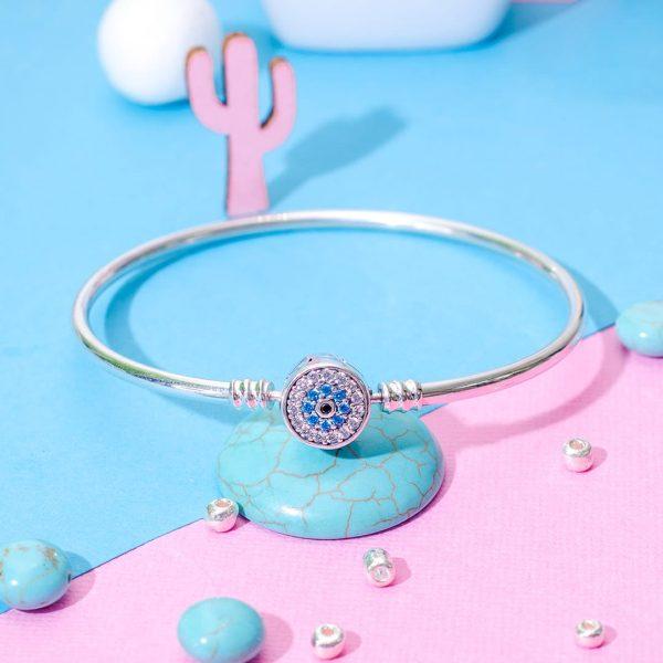 Ezüst karperec bájos kis kék virágos záróelemmel